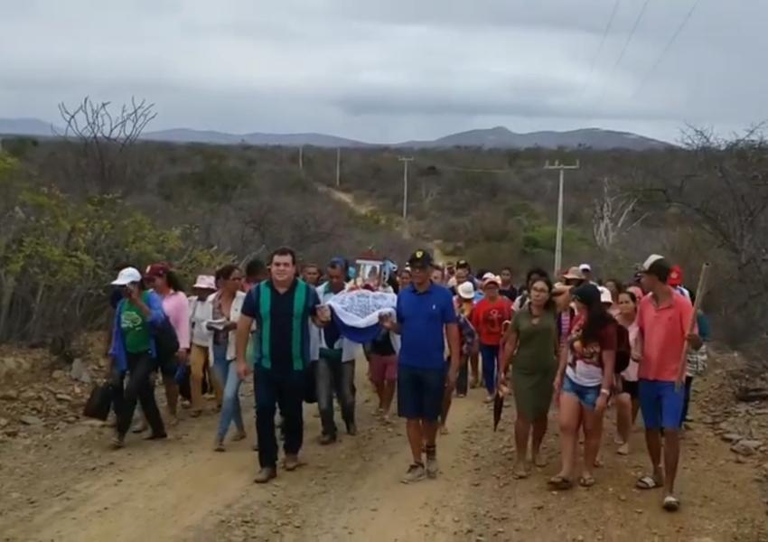 Barra da Estiva: Deputado Marquinho Viana participou da procissão em louvor a São Roque