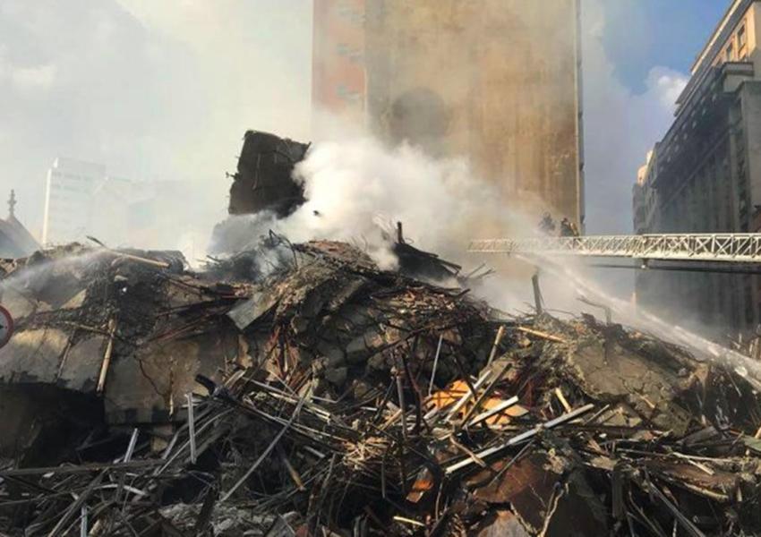 Bombeiros dizem que 44 pessoas ainda não foram localizadas após incêndio no Centro de SP