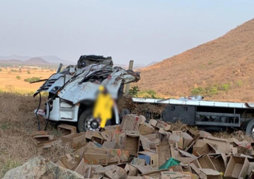 Guanambi: Motorista morre após caminhão capotar na curva dos Brindes