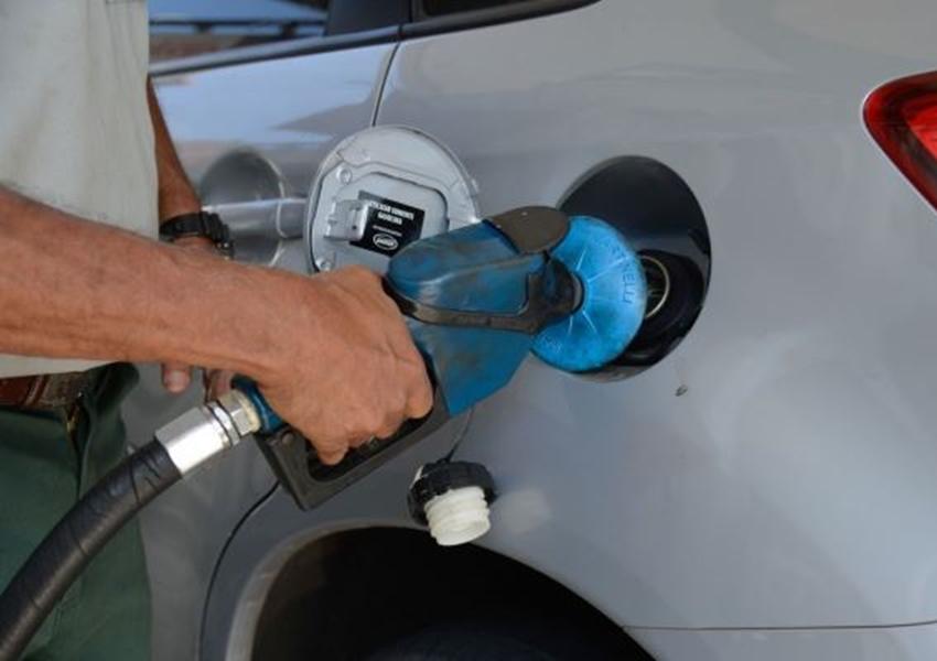 Petrobras vai reduzir em 3% preço médio da gasolina e do diesel nas refinarias