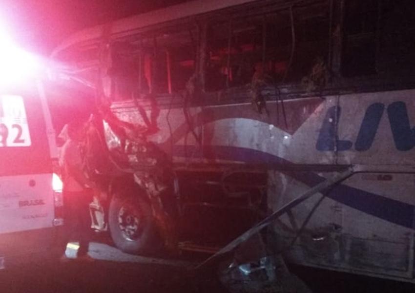 Guanambi: Acidente com ônibus que transportava estudantes deixa 4 mortos