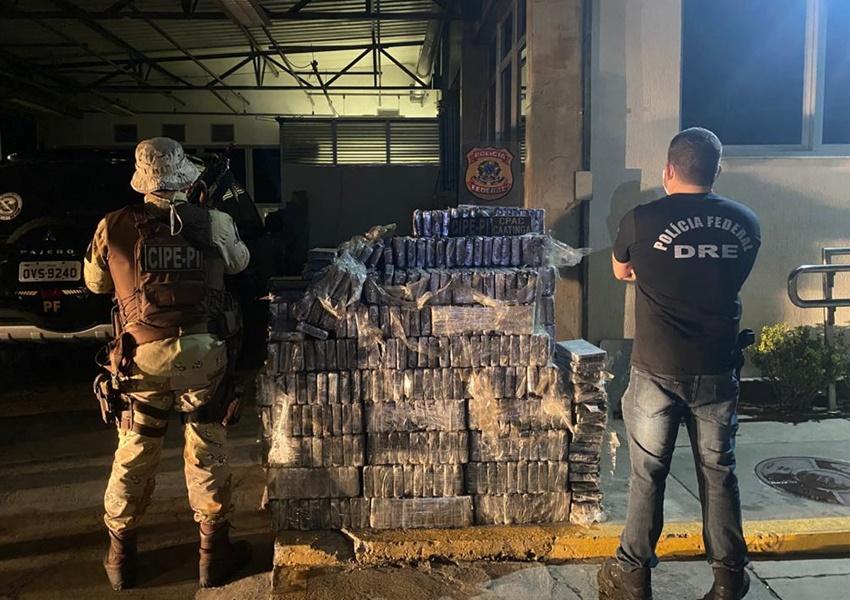 PM e PF apreendem cerca de uma tonelada de cocaína