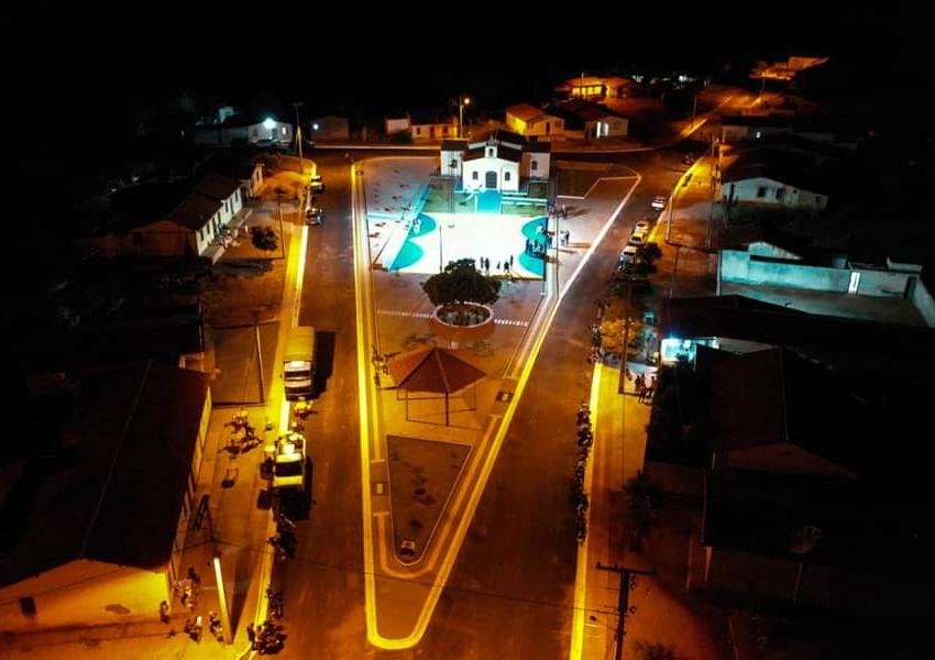 Dom Basílio: Prefeito inaugura praça e pavimentação asfáltica na comunidade de Passagem
