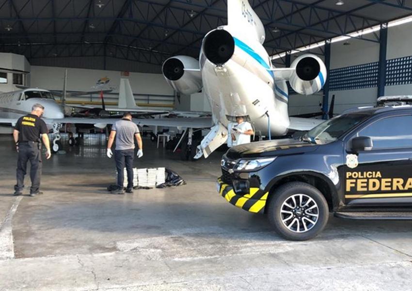 PF apreende meia tonelada de cocaína em avião no Aeroporto de Salvador