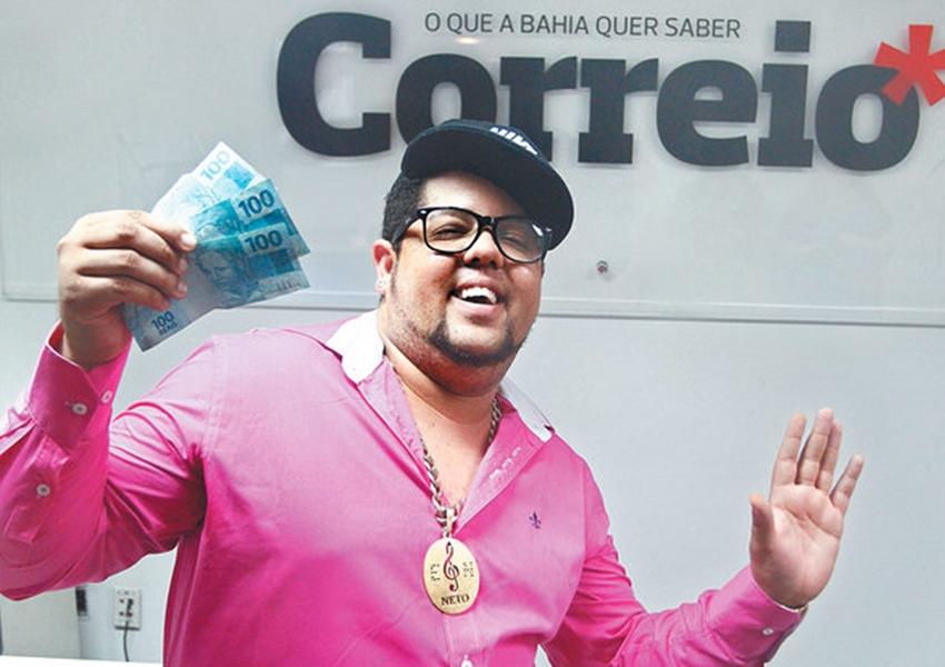 Neto LX é flagrado com drogas e conduzido para a delegacia em Itabuna