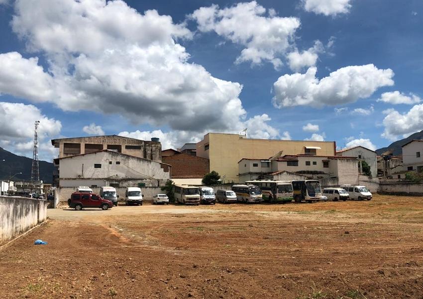 Livramento: Prefeitura Municipal implanta estacionamento público gratuito