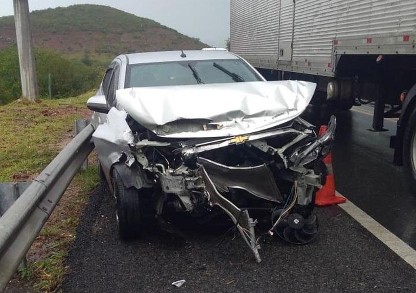 Homem morre atropelado ao tentar sinalizar acidente na BR-116, na região sudoeste da Bahia