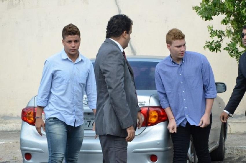 Condenados em agosto a mais de 10 anos de reclusão, ex-integrantes da banda New Hit são presos