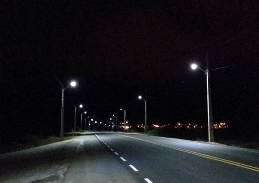 Aracatu: através do prefeito Sérgio Maia e deputado Marquinho Viana bairro Bons Ares recebe instalação da rede pública de energia elétrica