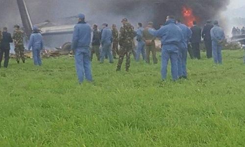 Queda de avião militar na Argélia deixa mais de 200 mortos