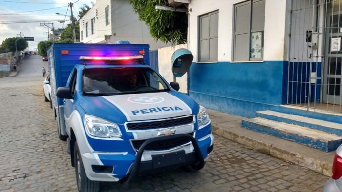 Jaguaquara: Homem morre em confronto na BR-116 após roubar caminhonete em Jequié