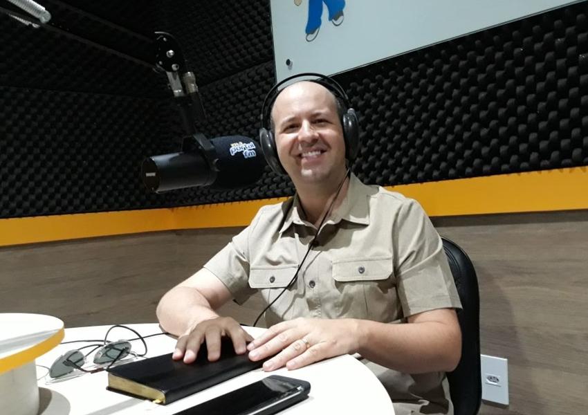 Livramento: Evangelista idealizador da Cruzada Fé e Milagres participa de programa na Rádio Portal FM