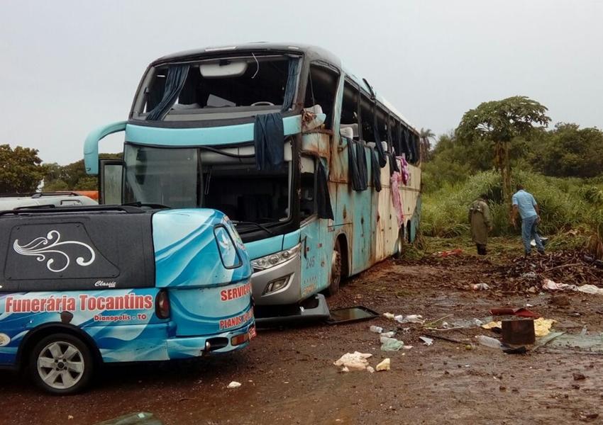 Sete pessoas morrem e 20 ficam feridas após ônibus  que saiu de Barreiras tombar na TO-040
