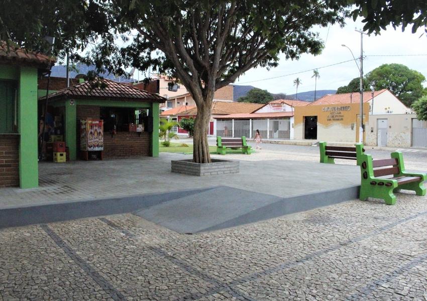 Livramento: Concluída a revitalização da Praça Francisco Tanajura Guimarães