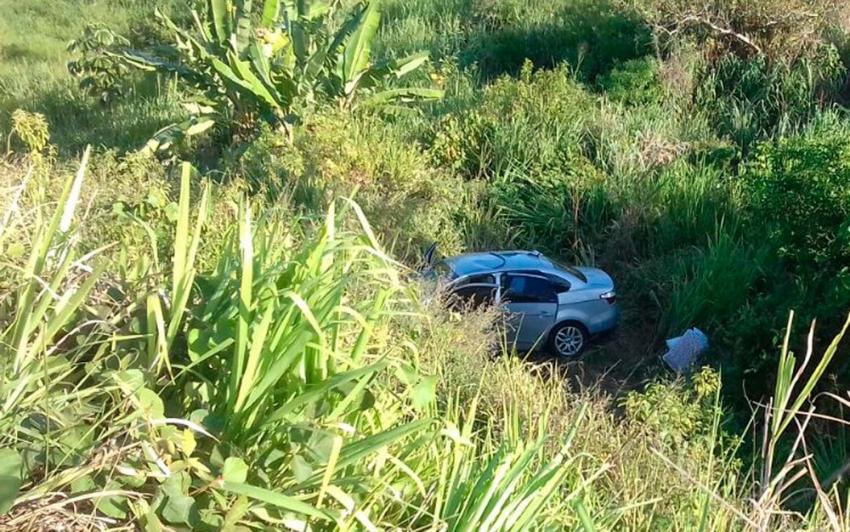 Turistas mineiros que seguiam para férias na Bahia morrem em acidente na BR-101