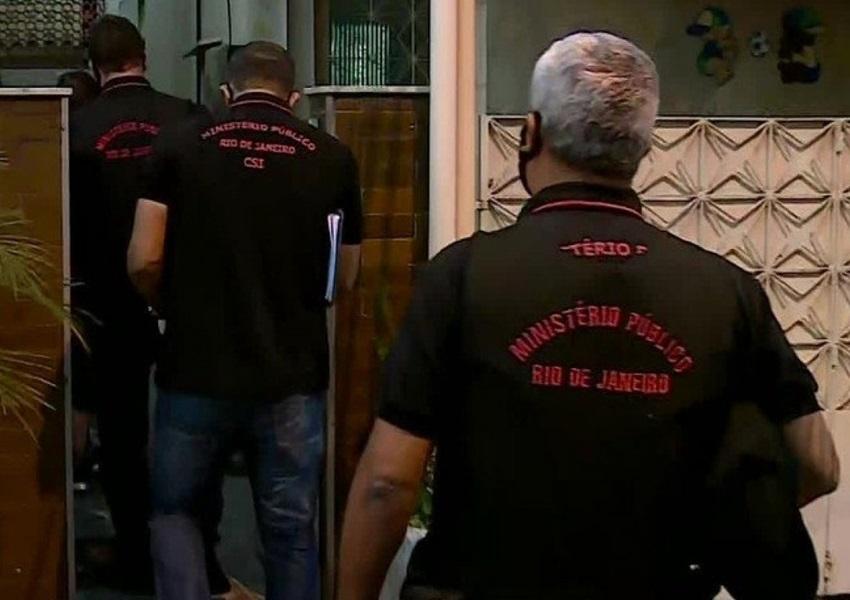 Polícia do Rio cumpre mandado de busca e apreensão em casa ligada a Jair Bolsonaro