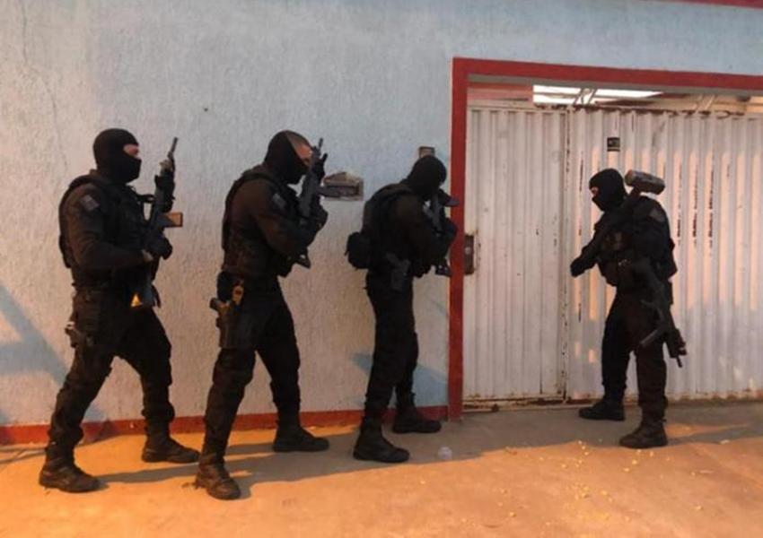 Oeste: Megaoperação desarticula quadrilha; três morrem e 16 são presos