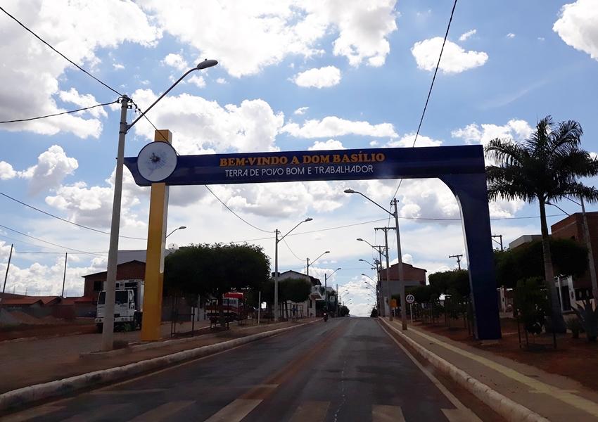 Residentes na área de saúde em Guanambi, Dom Basílio paralisam atividades por causa de redução no valor da bolsa-salário