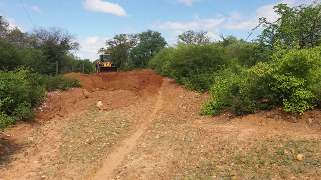 Livramento: Prefeitura realiza obras de manutenção das estradas vicinais do Distrito de Itanagé