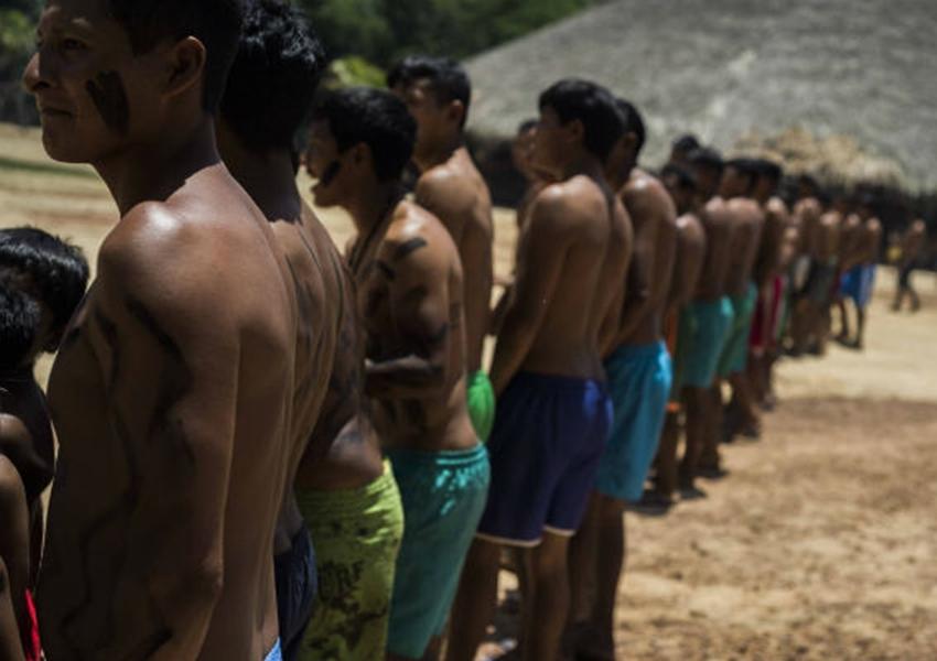 Novo decreto de Bolsonaro retira da Funai licença de emrpeendimentos