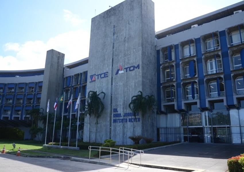 Número de câmaras de vereadores com contas reprovadas mais que dobrou na Bahia