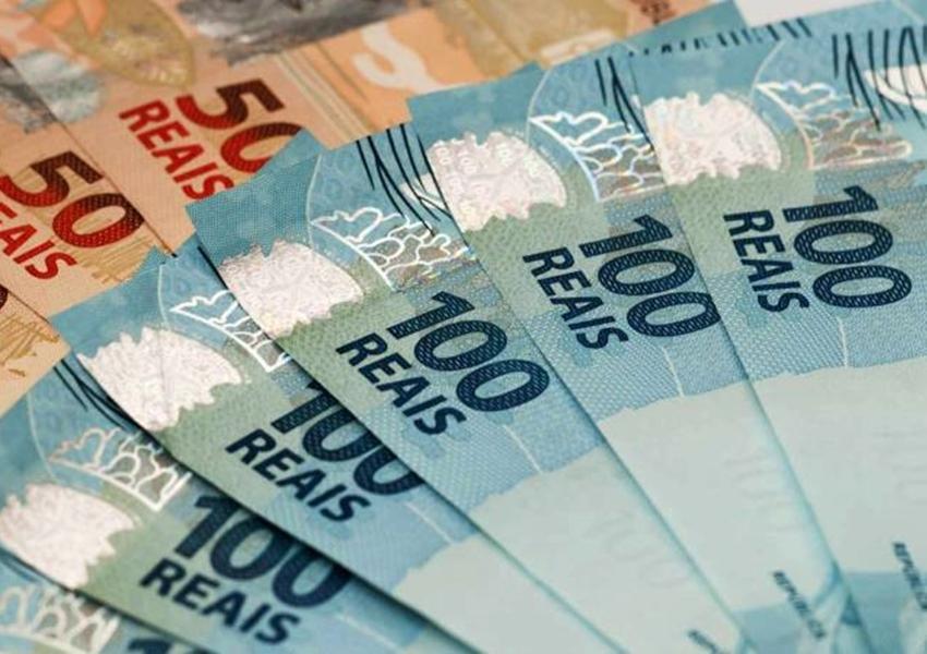 Governo deve prever salário mínimo em torno de R$ 1.170 em 2022