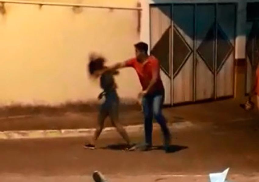 Homem agride namorada em via pública de Caetité e é preso; ação foi filmada por populares