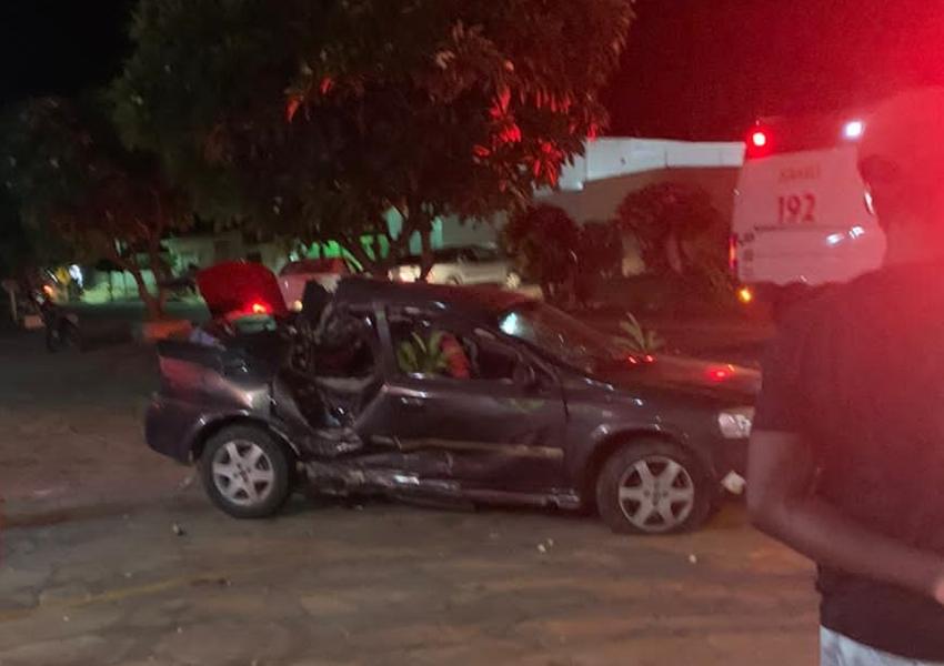 Livramento: Carro colide contra árvore e deixa motorista ferido; veja vídeo