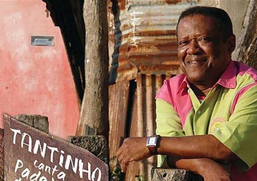Compositor Tantinho da Mangueira morre aos 72 anos