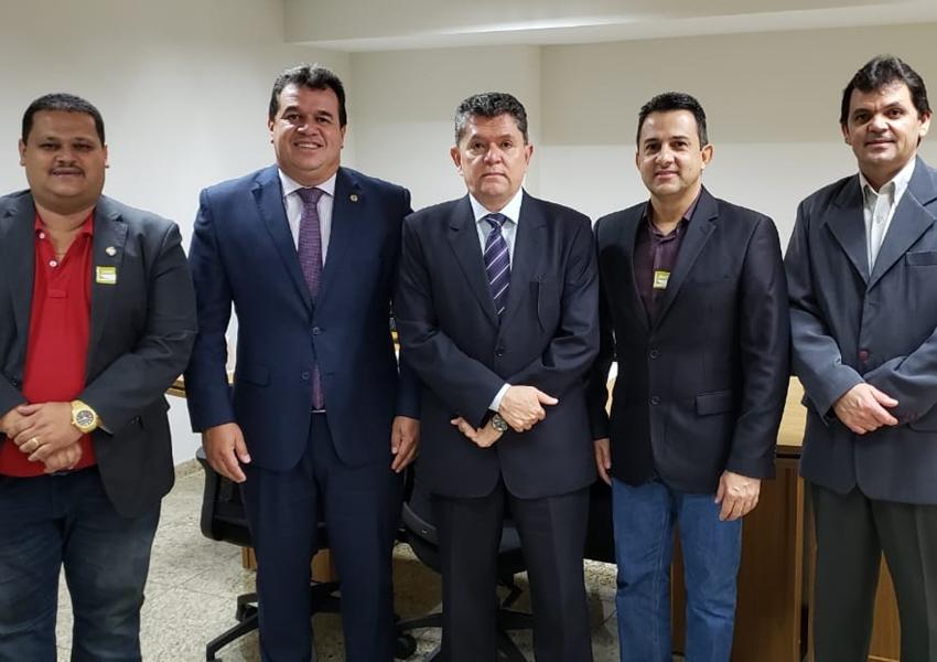 Deputado Marquinho Viana leva prefeitos da Região Sudoeste para audiência em Brasilia