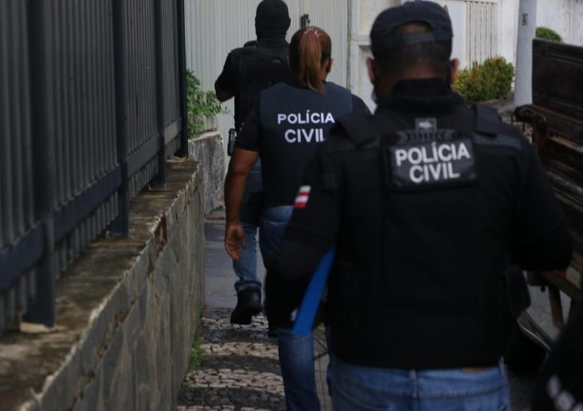Operação contra tráfico prende 8 universitários e empresários; polícia diz que eles enviavam drogas pelo correio