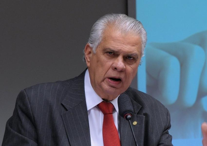 José Carlos Araújo diz que negocia com dois deputados para ampliar bancada do PR