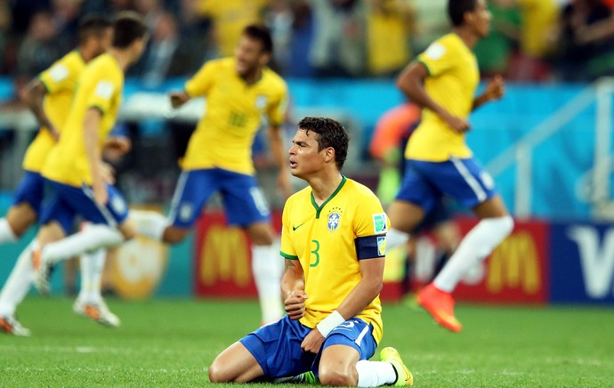 Quatro anos após queda e choro, zagueiro Thiago Silva volta ser capitão em Copa do Mundo