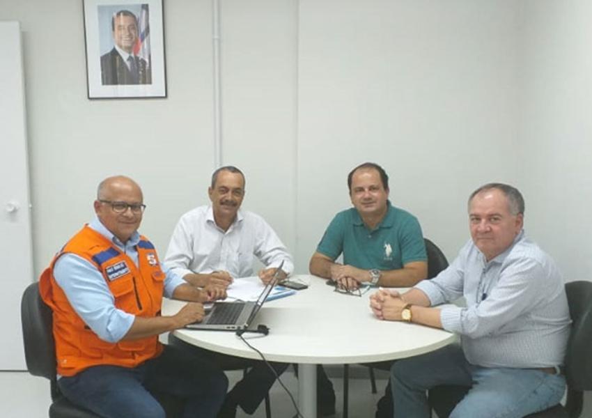 Jussiape: Prefeito assina convênio para disponibilização de carros-pipa