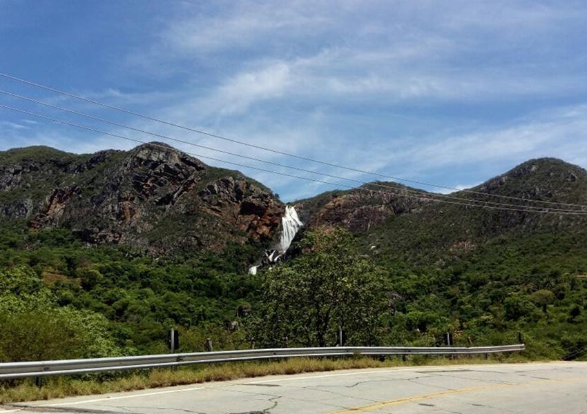 Grande volume de água nas cachoeiras da região: alerta para o final de semana