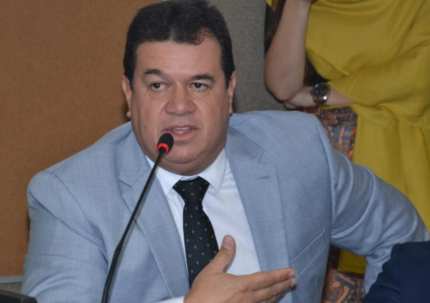 Deputado Marquinho Viana chama de retrocesso tentativa de reeleição de Nelson Leal na Assembleia