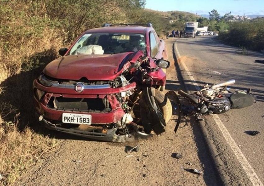 Motociclista morre na BR-330, saída de Jequié para Jitaúna, após colisão com caminhonete