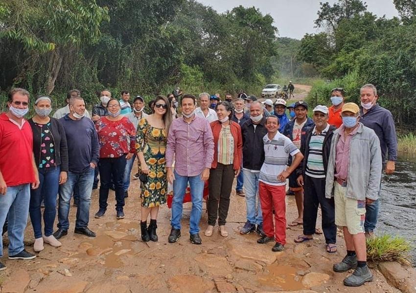 Rio de Contas: Prefeito assina ordem de serviço para construção da ponte do Giló