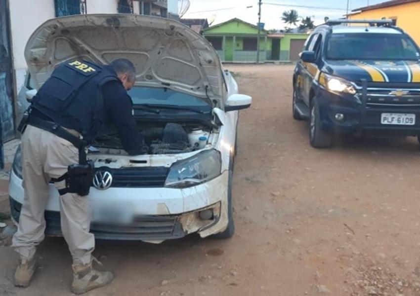 Caminhonete furtada em Contagem (MG) é recuperada pela PRF no município baiano de Mascote