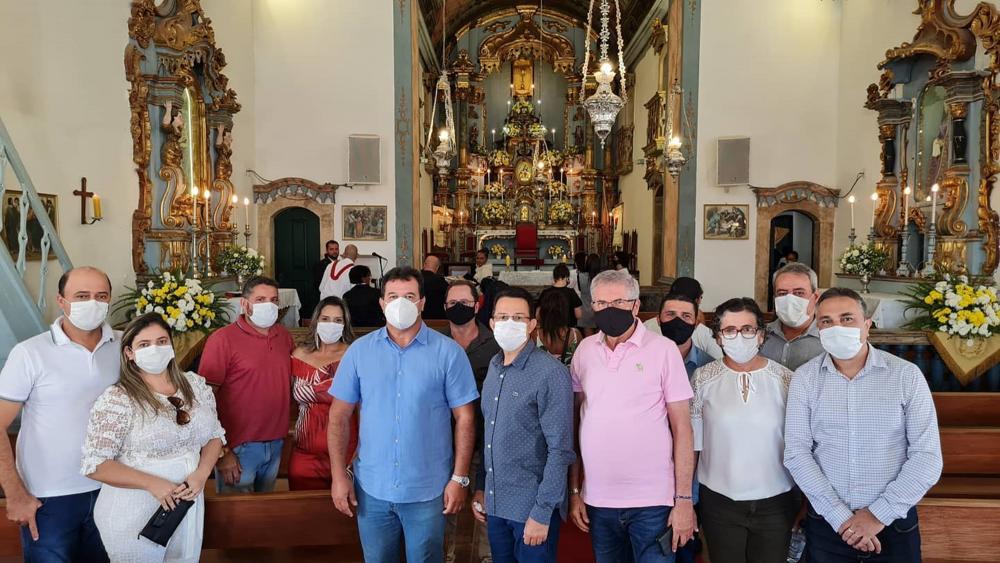 Deputado Marquinho Viana participa da Missa de Corpus Christi em Rio de Contas