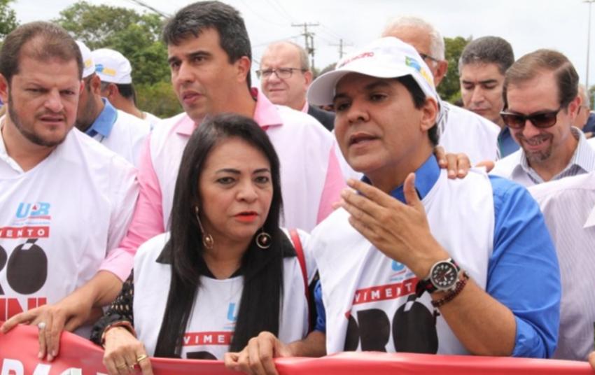 Durante manifestação de prefeitos, presidente da UPB recebe notícia da morte de sua mãe