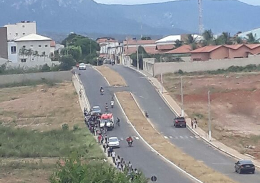 Livramento: Jovem de 12 anos sofre acidente de bicicleta em Avenida que liga ao Bairro Estocada