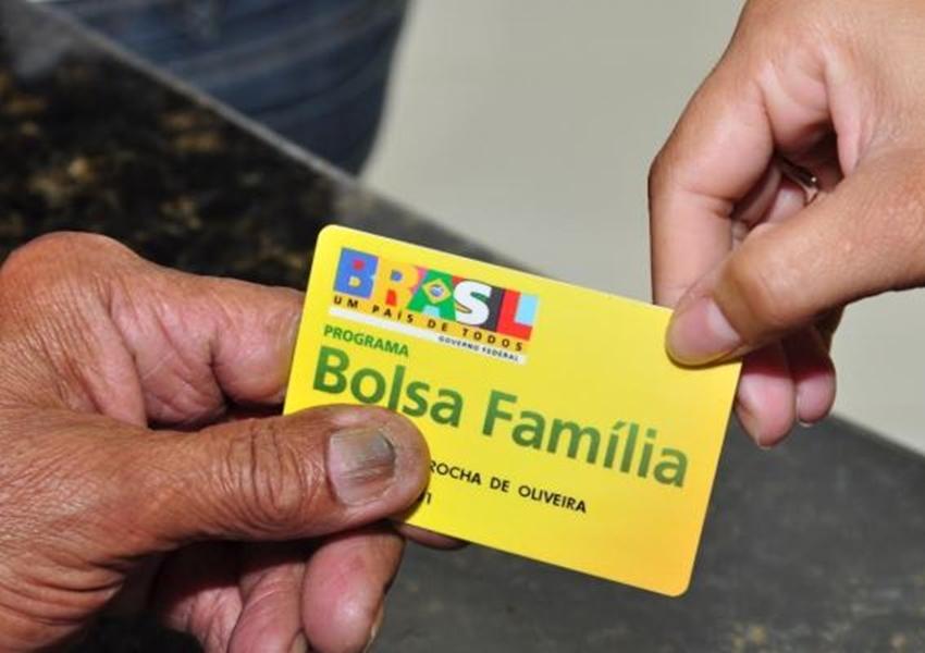 Pagamento do 13º salário do Bolsa Família começa nesta terça (10)