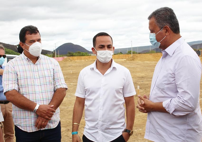 Deputado Marquinho Viana com o governador Rui Costa na inauguração de obras e da rodovia BA-142, trecho Tanhaçu/Ituaçu