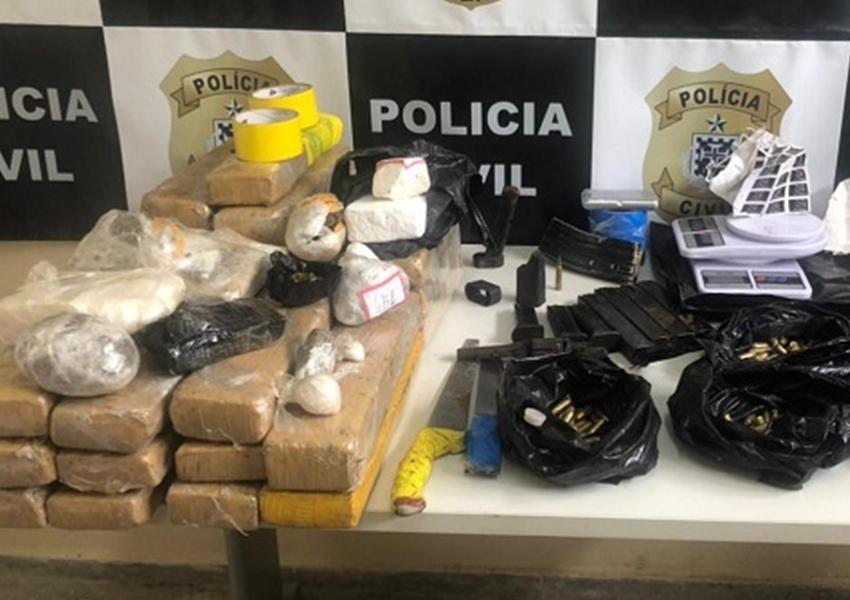 Armas e mais de 25 Kg de drogas são apreendidos em Itabuna