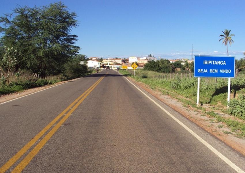 Ex-prefeito de Ibipitanga é multado por nepotismo