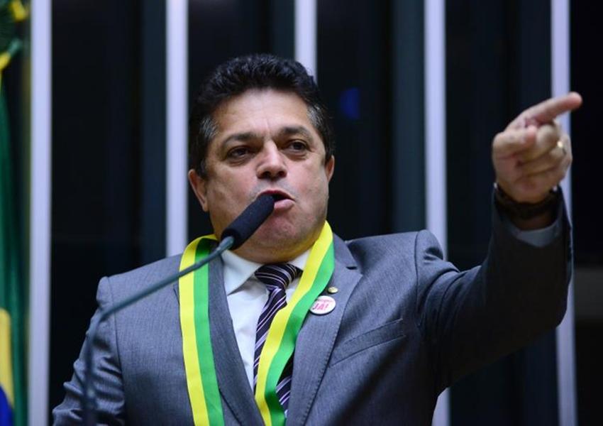 Deputado preso mantém salário e R$ 146 mil por mês para manutenção do mandato