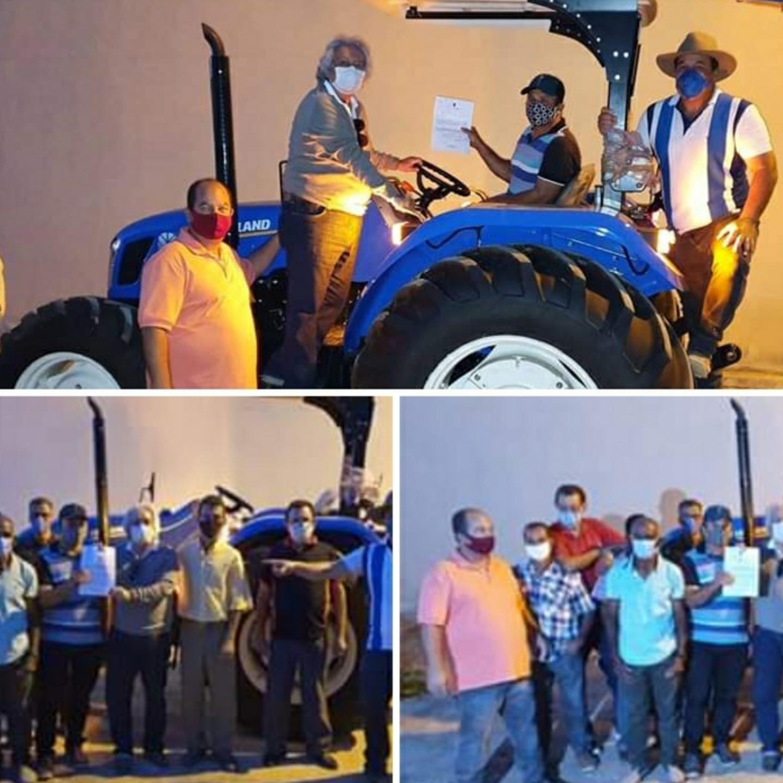 Deputado Marquinho Viana participa da entrega de equipamentos de mecanização agrícola em Ituaçu