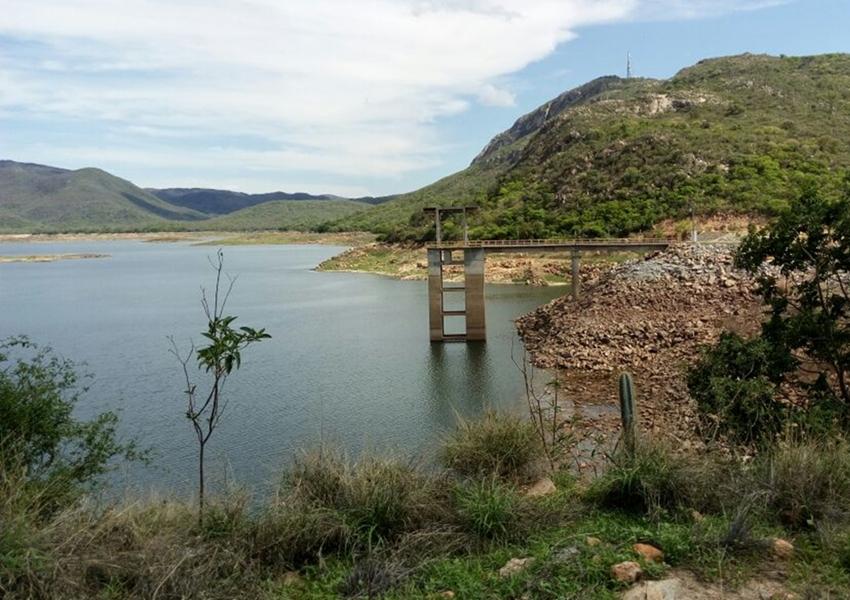 Deputado relata descarte de rejeito hospitalar em barragem de Paramirim