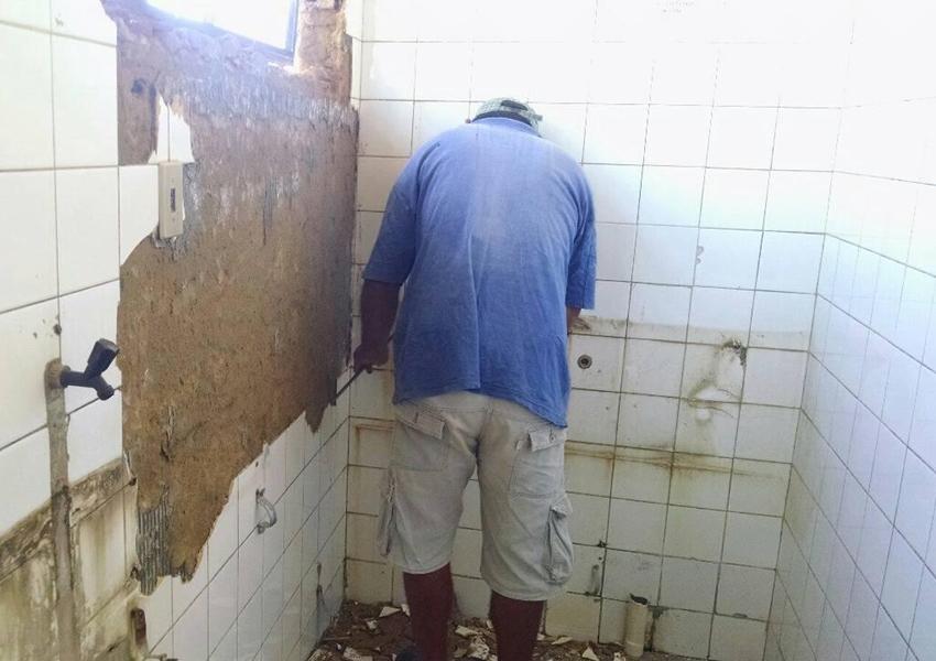 Livramento: Prefeitura realiza reforma de banheiros do Terminal Rodoviário
